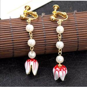 Pearl Dangle Tulip Earrings